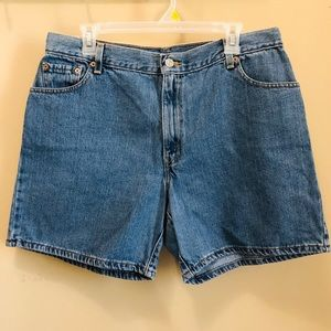 Levi's Blue High Rise Mom Denim Shorts in Size 16
